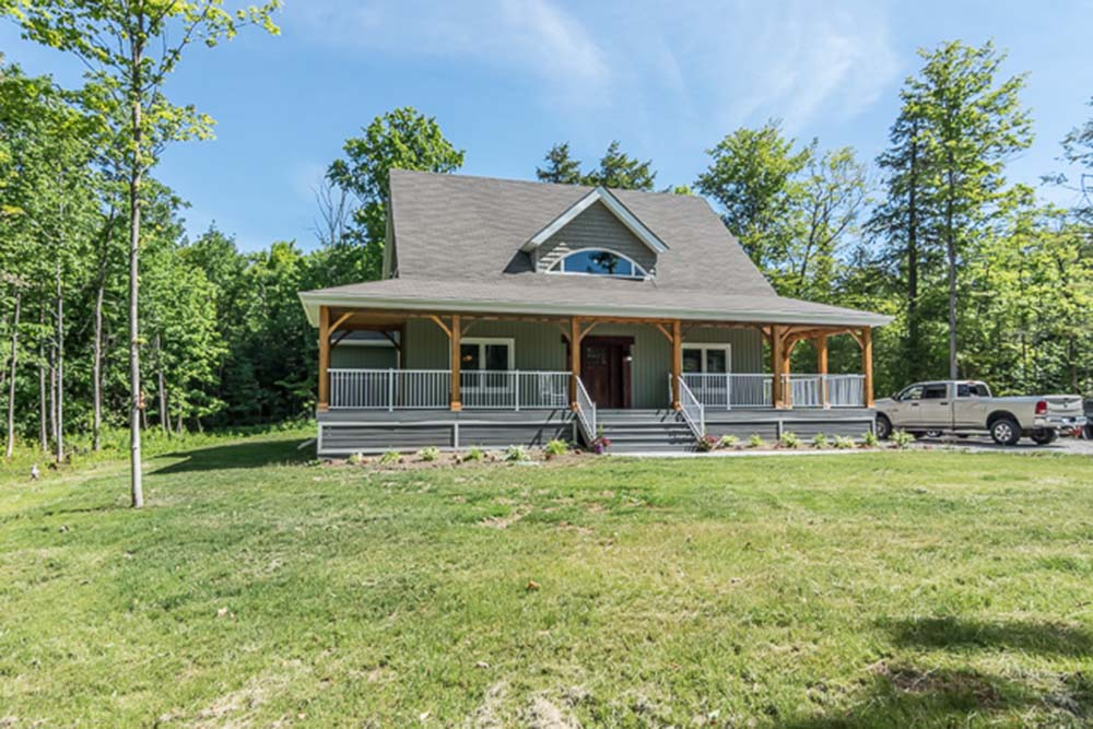 Beautiful Timber Frame Dutch Saltbox w/ 3 Bedrooms! | Top Timber Homes