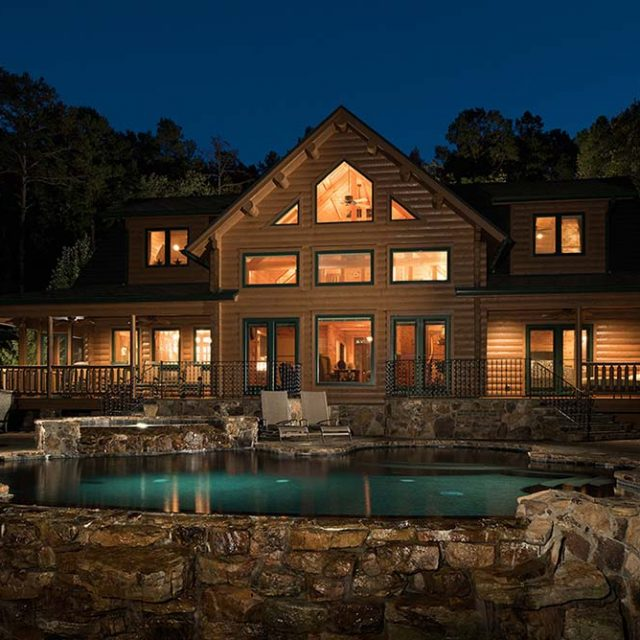 Outstanding Timber Home w/ High Ceilings (11 HQ Pictures)