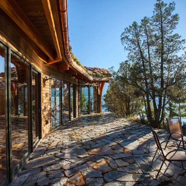 Cozy Mountain Retreat for Single Individuals or Young Couples.  (8 HQ Pictures)