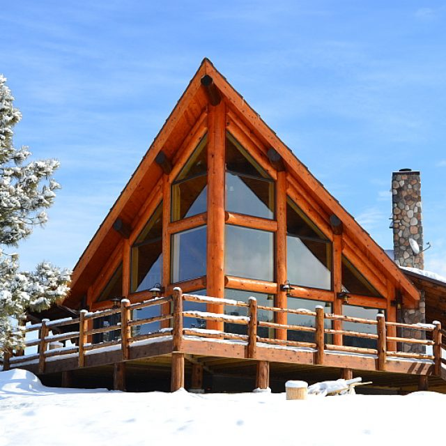 Incredibly designed rustic log home – must-see floor plans (13 HQ pictures)