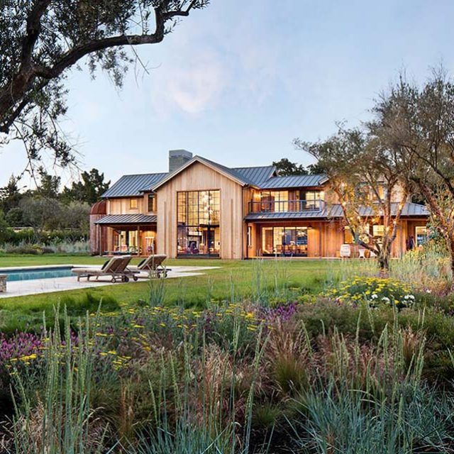 Luxury Timber Mansion w/ Vegetable Garden  (25 HQ Images)