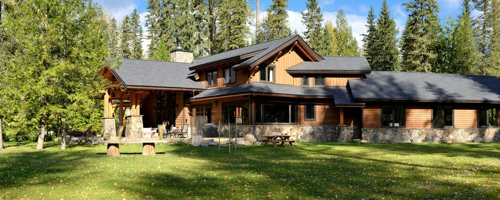 Luxurious timber frame house – a sight for sore eyes (20 HQ pictures)
