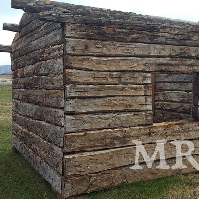 Superb simple and cheap vintage cabins – only $8,500 (5 HQ pictures)