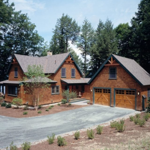 Beautiful Timber Home w/ Lovely Interiors.