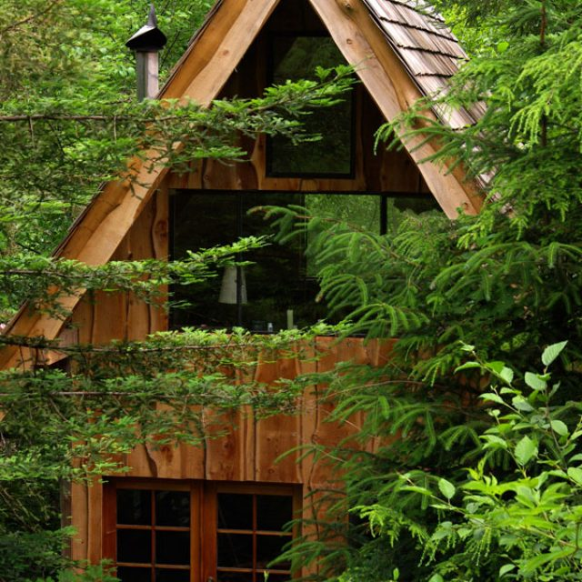 Japanese style cabin made from scratch for only 11K (16HQ pictures)
